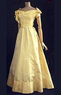 silk-taffeta-ballgown-c1870