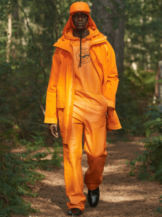 Macacão laranja Burberry