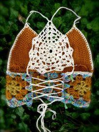 detalhe costas de top em crochet
