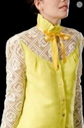 Blusa amarela com renda labirinto Lizzi