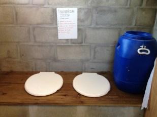 Instruções para uso do banheiro seco