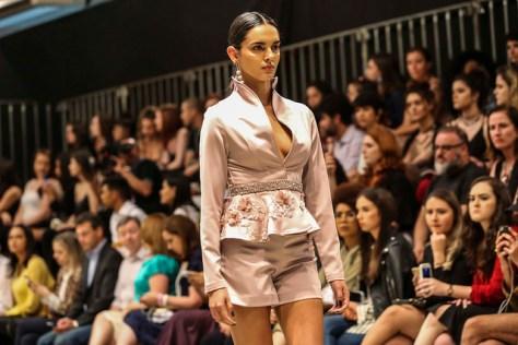 Carlina Brugnera - Desfile Id Fashion Moda festa - 7