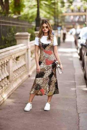 Dicas de como usar vestido midi em diferentes estilos + tenis como usar