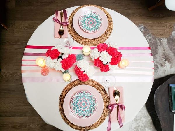 Mesa posta para jantar romântico - decore com fitas e flores