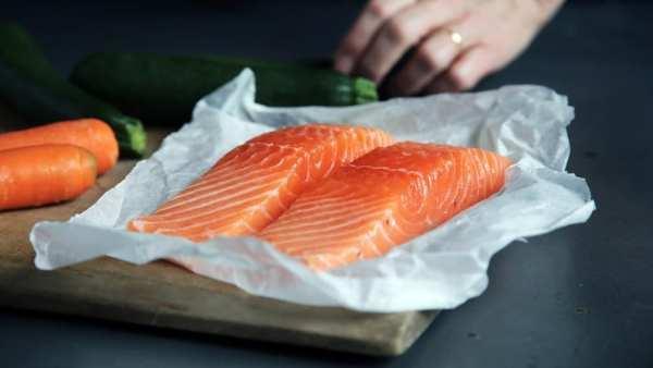 vitamina d - Foto de posta de salmão