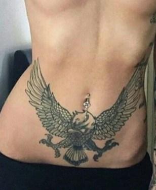 Tatuagem cintura barriga águia