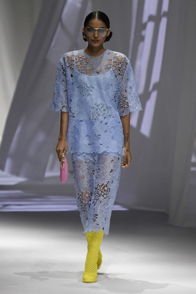 vestido azul celeste Fendi