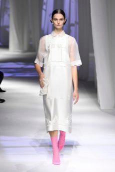 look branco Fendi verão 2021