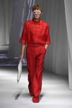 calça e camisa desfile de moda