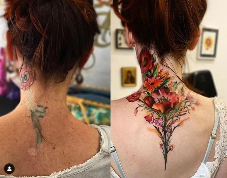 Ramo de flores coloridas em cicatriz na nuca