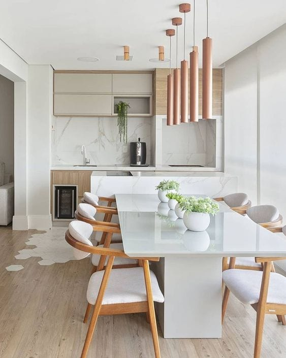 Sala de jantar com decoração minimalista