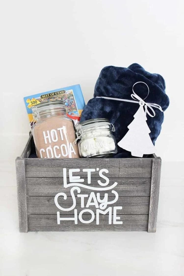 kit com itens para curtir uma noite em casa