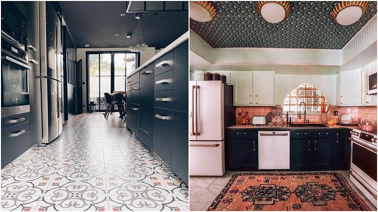 duas cozinhas com piso e teto estampados