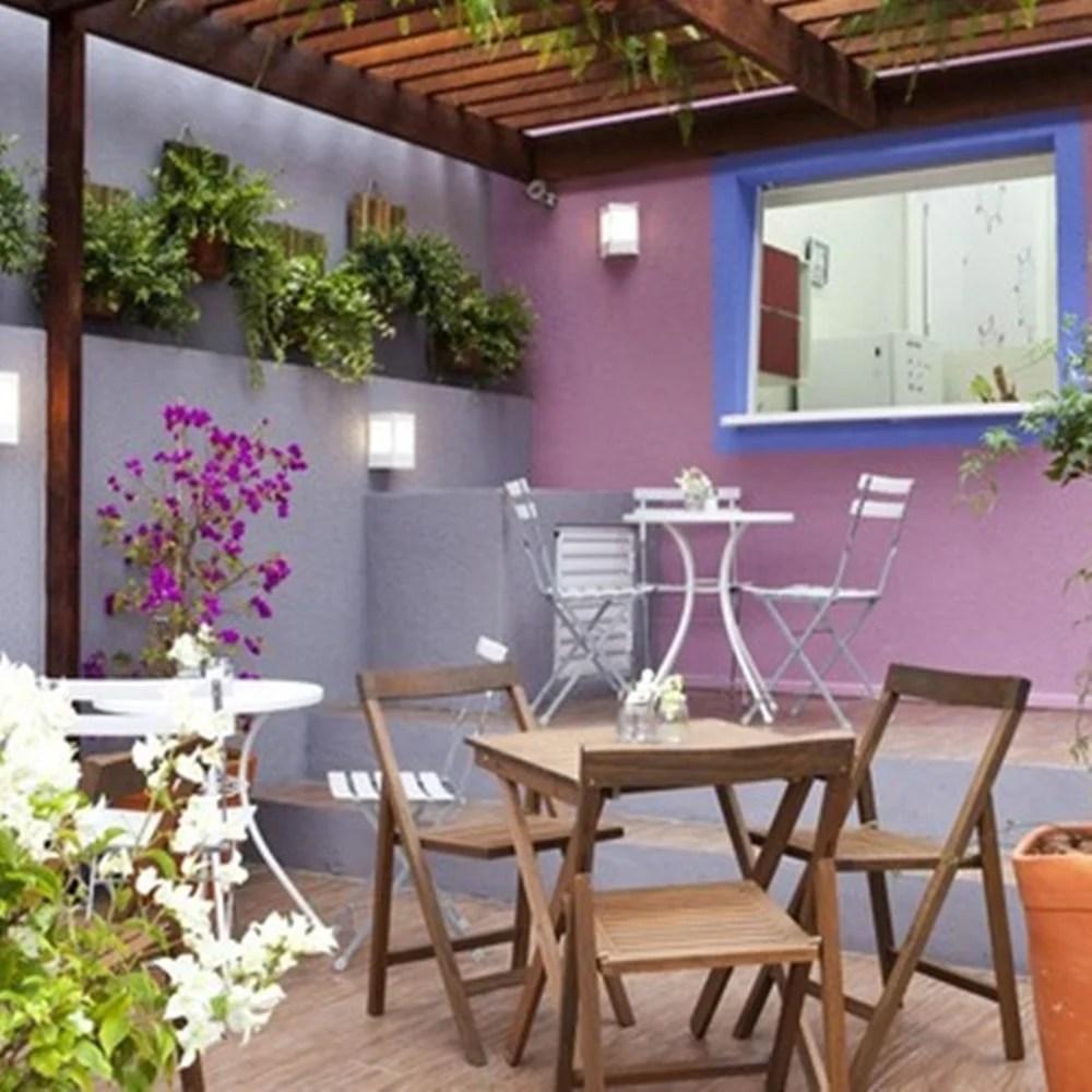 Área externa do lar da Família Rodrigues