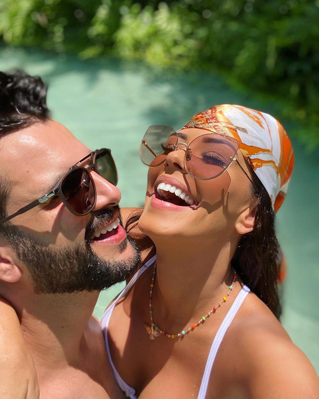 Ex-bbb Ivy Moraes e esposo