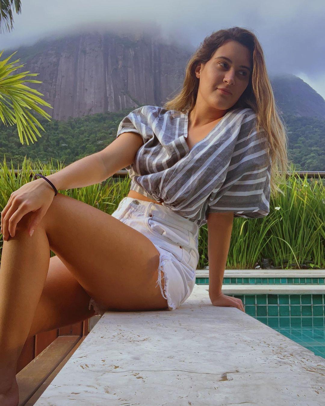 Bia Bonemer, filha de Fátima Bernardes.