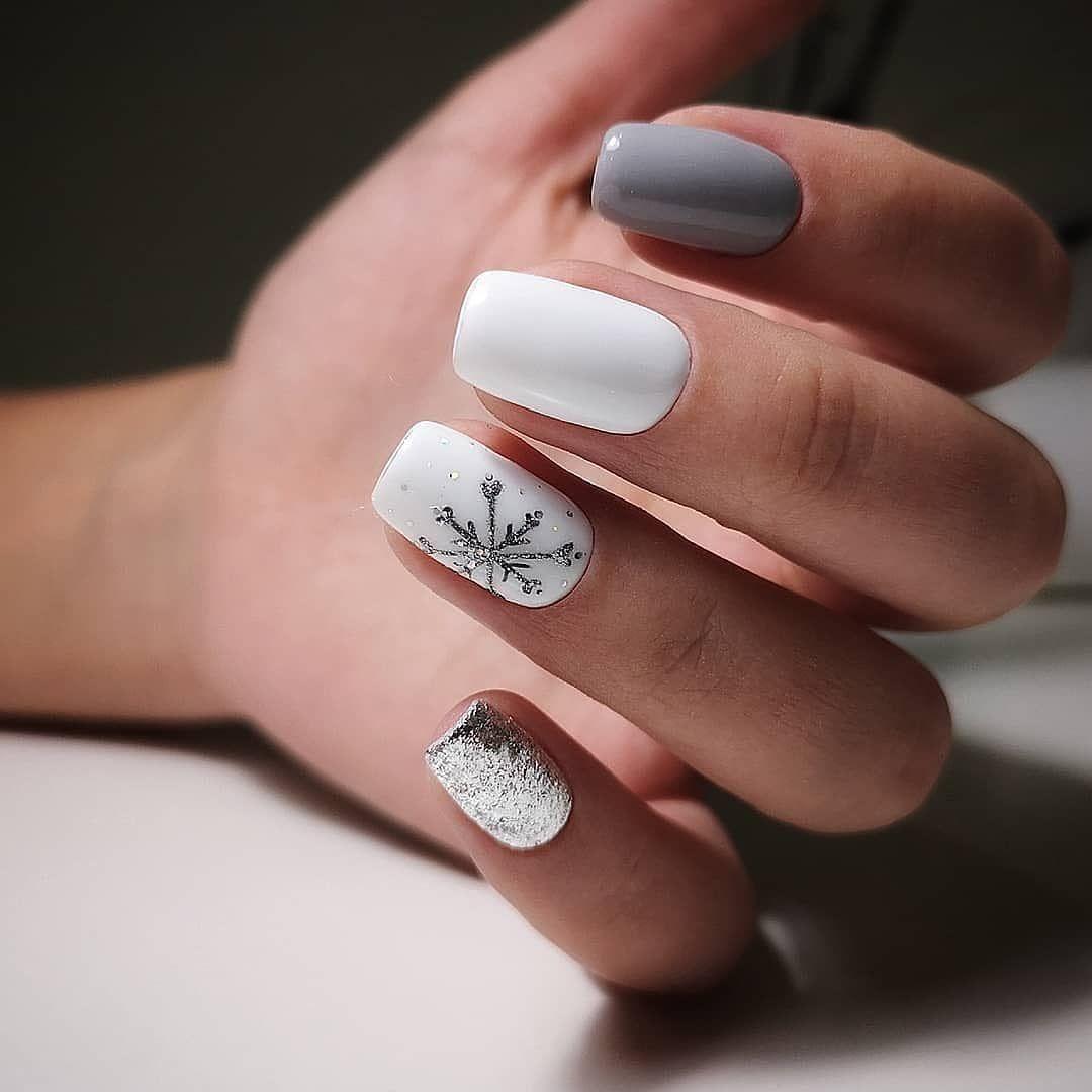 Delicadeza, unha branca e prata que esbanja sensatez.