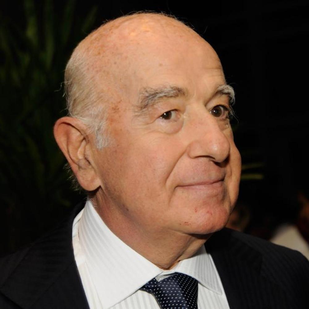 Seu José, homem mais rico do Brasil.