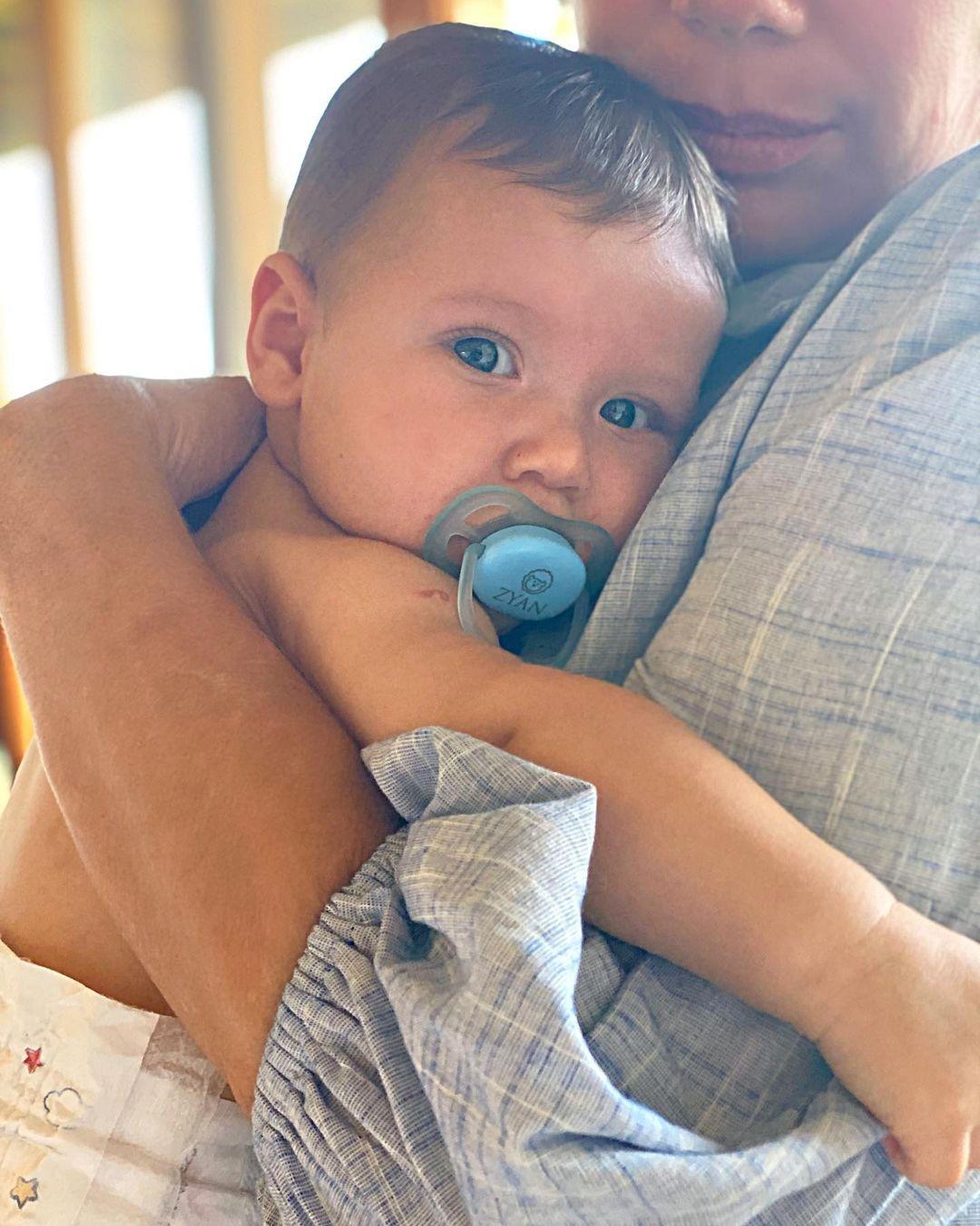 Filho de Giovanna Ewbank e Bruno Gagliasso.