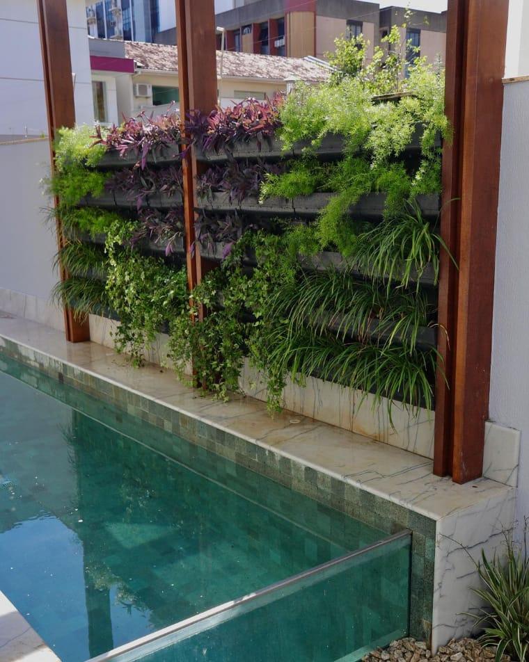 Jardim pequeno vertical