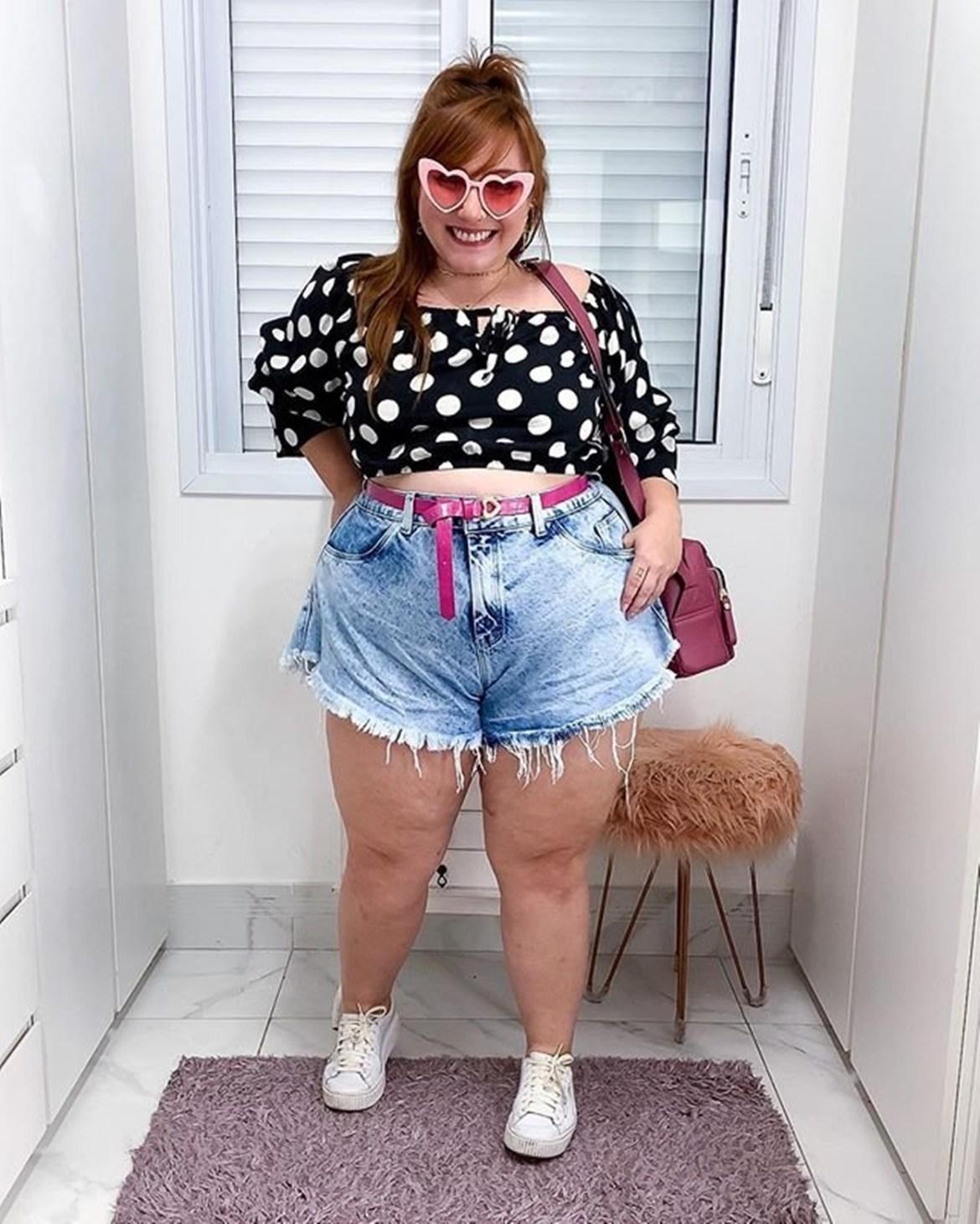 Composição de look com shorts Godê.