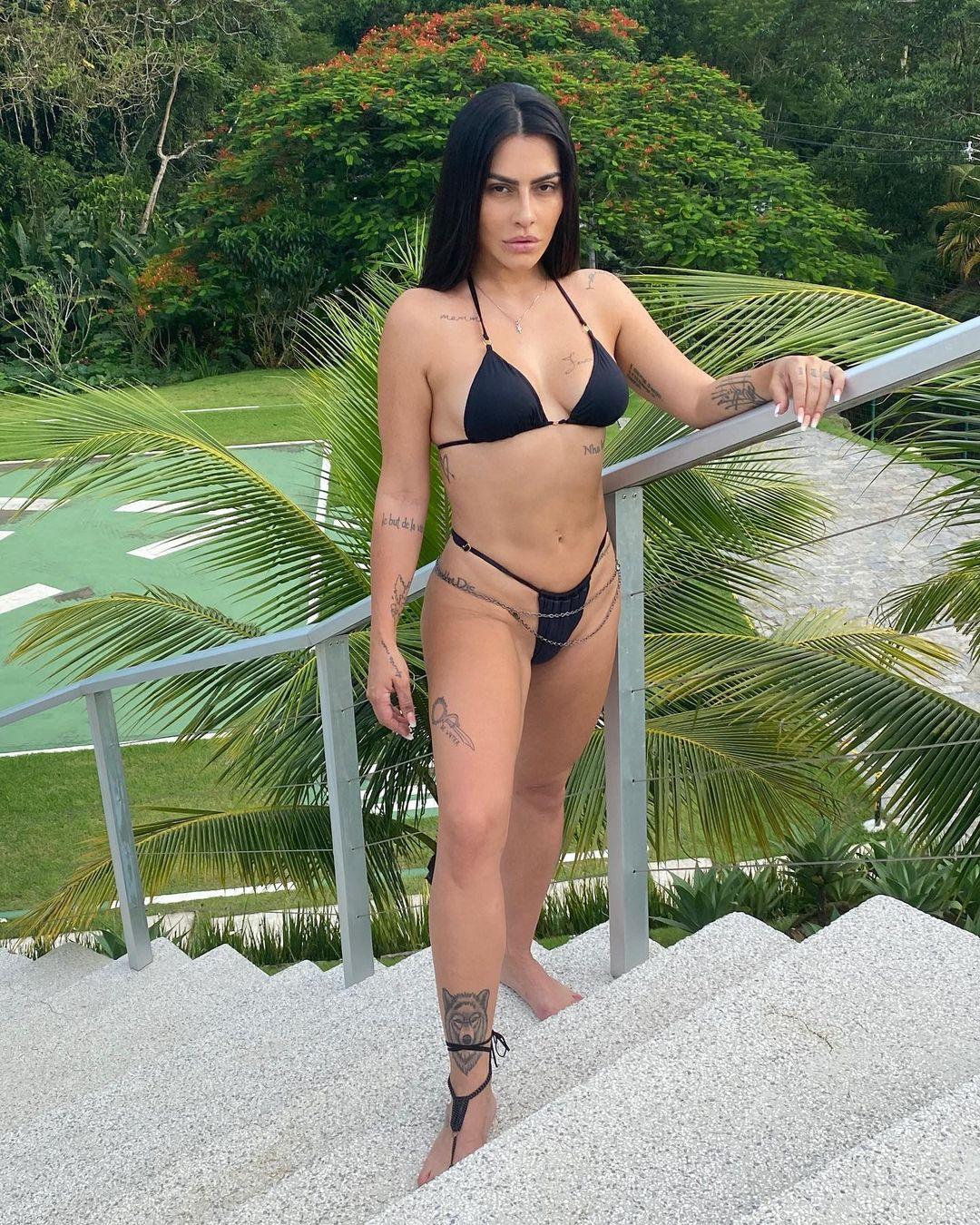 Modelos Pajaris, usando pela atriz.
