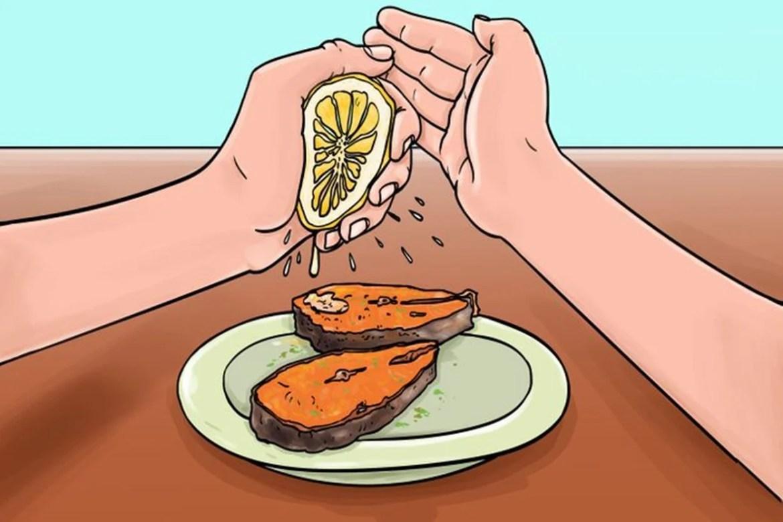 Regras de etiqueta simples: Proteja o limão para não respingar em ninguém, imagem ilustrativa.
