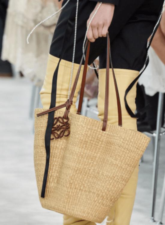 Bolsa palha tipo tote de palha com alça de couro