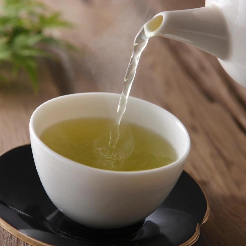 Chá de erva-de-são-Cristóvão para menopausa.
