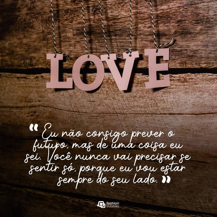frases de amor com fundo de madeira