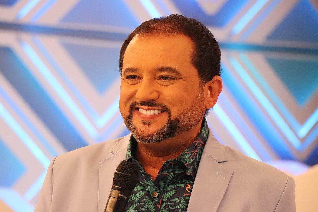Apresentador Geraldo Luís, jornalista da Record.