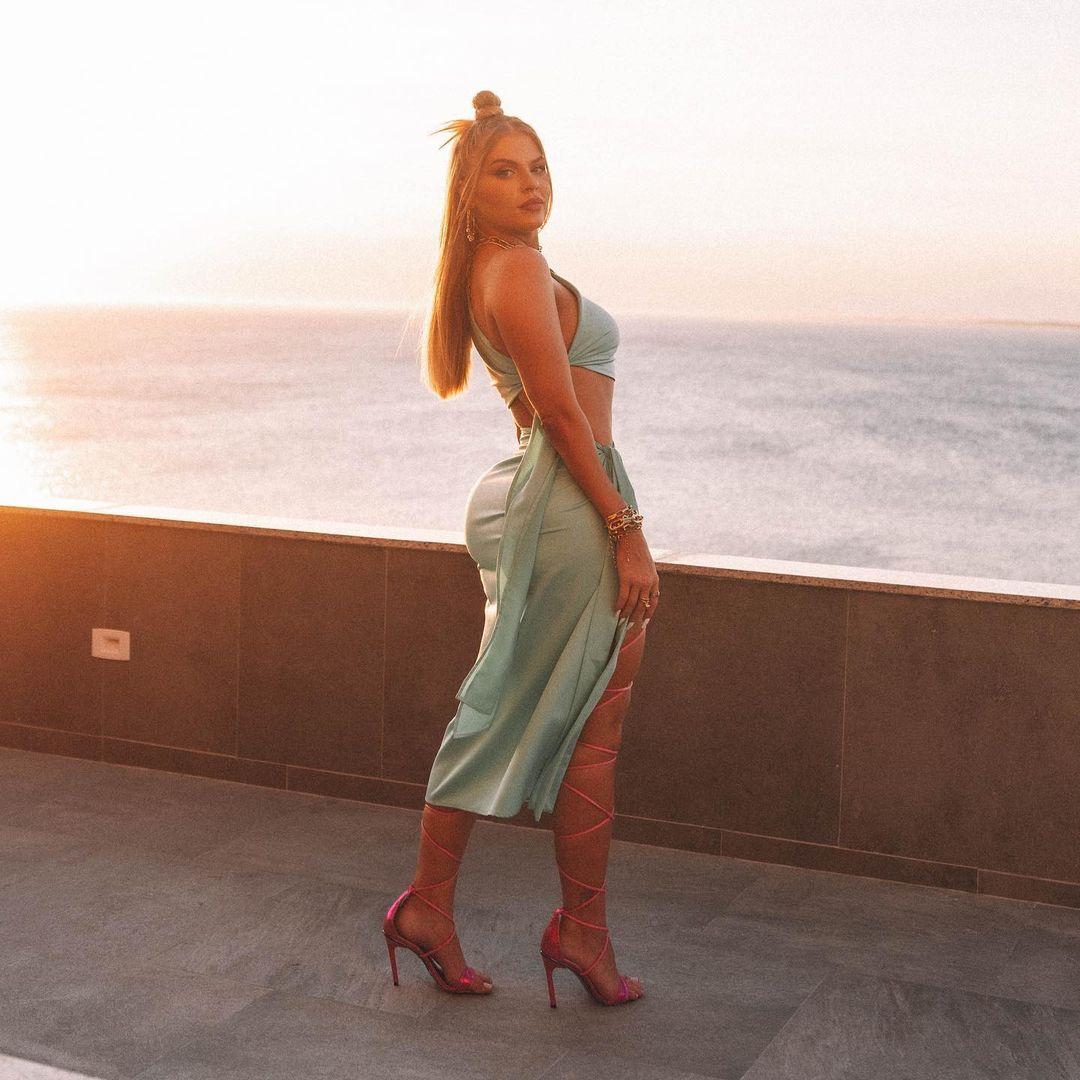 Nudes dos famosos - Luísa Sonza.