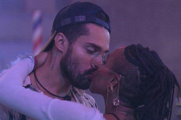 Internautas acusam Karol Conká de assédio durante festa do BBB21 - Globo