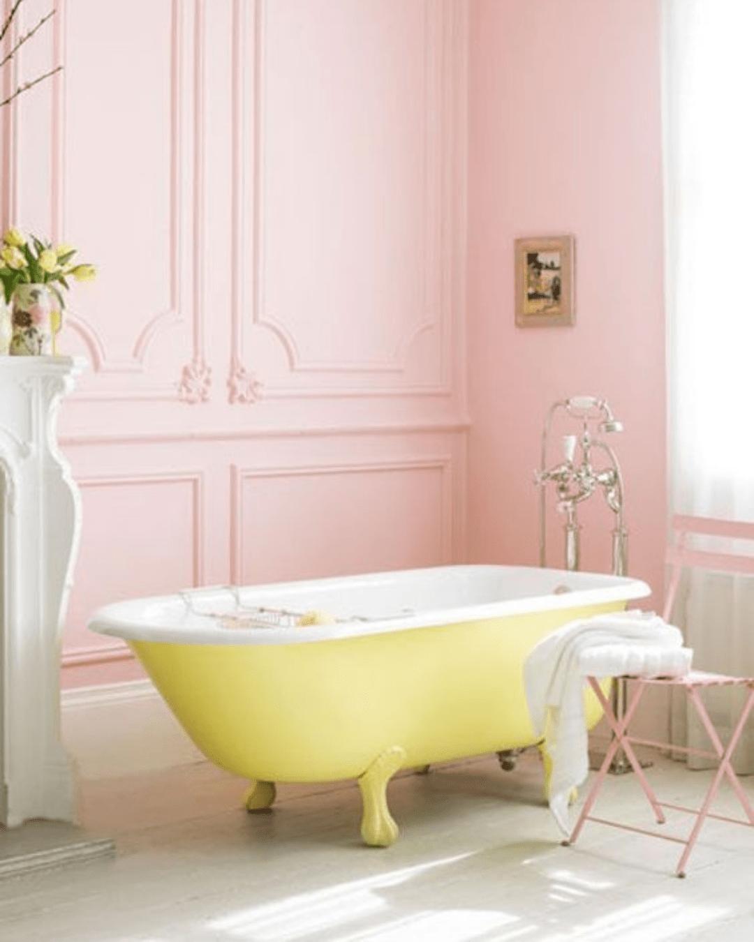 Tipos de banheira: vitoriana amarela pastel