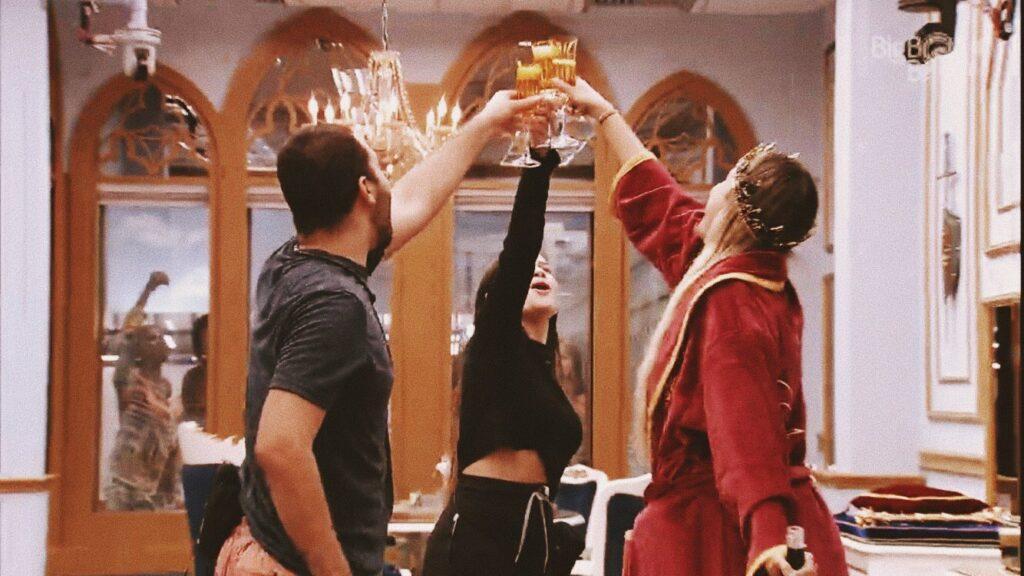 , Gilberto e Juliette no quarto do líder - Globo