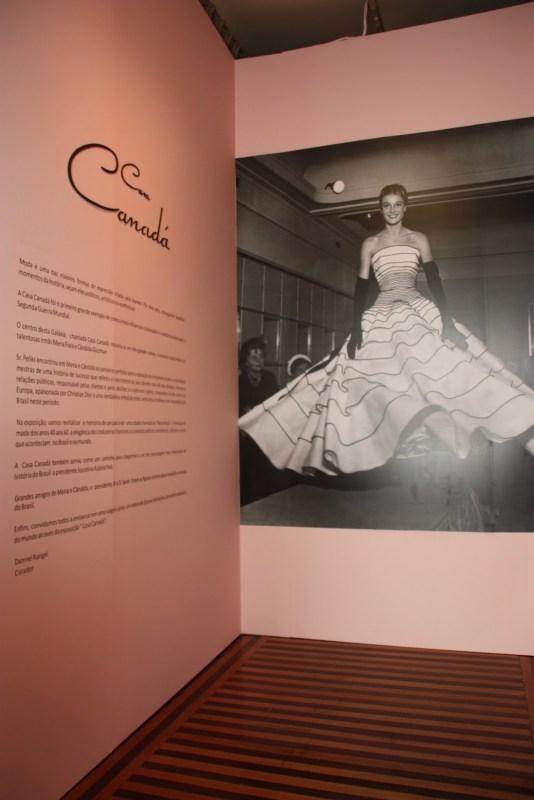 """Entrada da exposição """"Casa Canadá""""."""