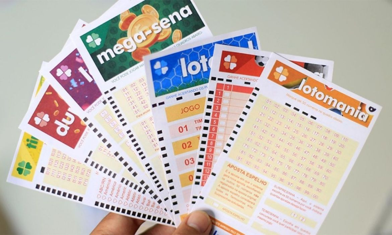 vários bilhetes de loterias - ganhar na loteria