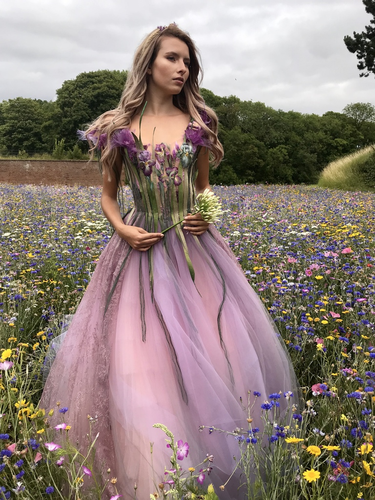 vestido diferente natureza