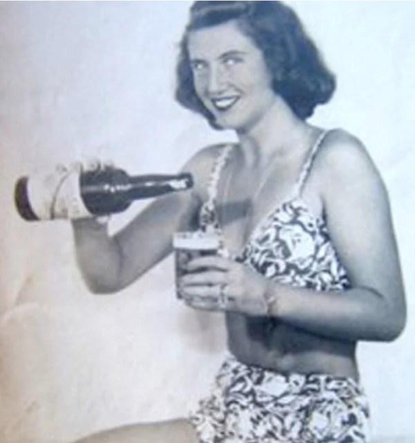 Miriam Etz Kaufmann vestida com um biquíni em 1948.