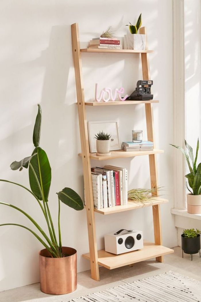 Escada de madeira como decoração.
