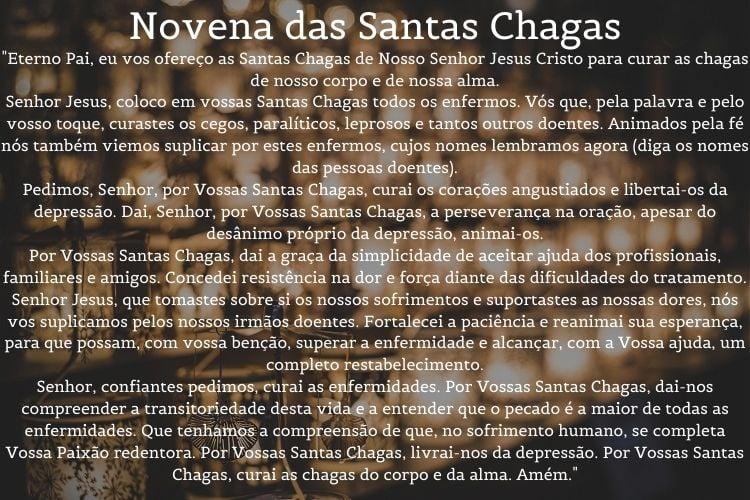 novena das santas chagas escrita sobre fundo de foto de velas acesas