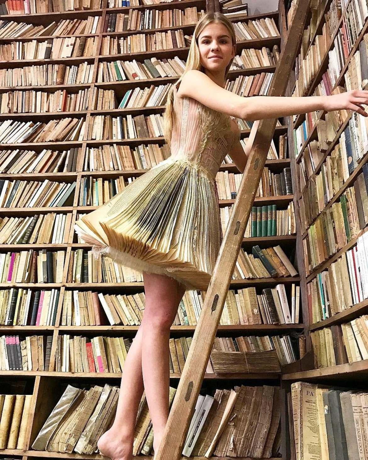 vestido diferente livros