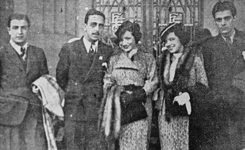 Carmen Miranda, no centro, com sua irmã Aurora, em São Paulo, em 1934.
