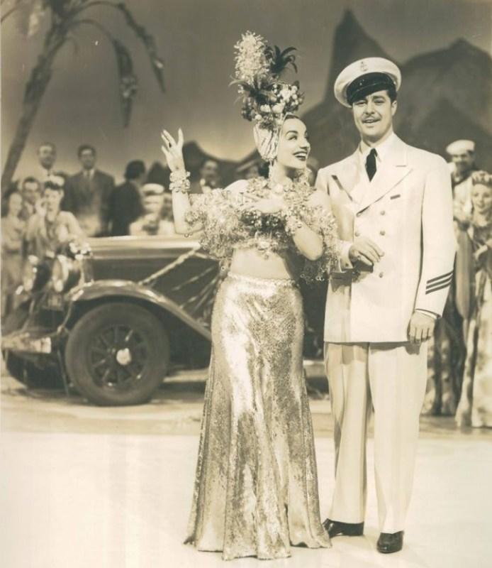 """Cena com Carmen Miranda no filme """"Uma Noite no Rio"""", de 1941. Crédito Museu do Estado do Rio de Janeiro."""