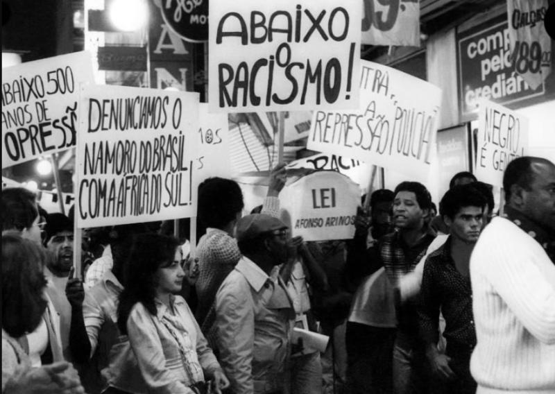 Primeiros atos do MNU comparavam o Brasil ao apartheid sul-africano.