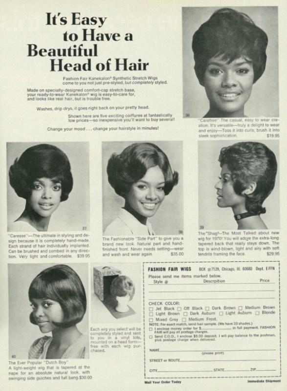 """Propaganda com vários tipos de perucas, onde se lê """"É fácil ter um cabelo bonito""""."""