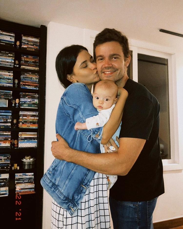 Talita Younan, esposo e filha.