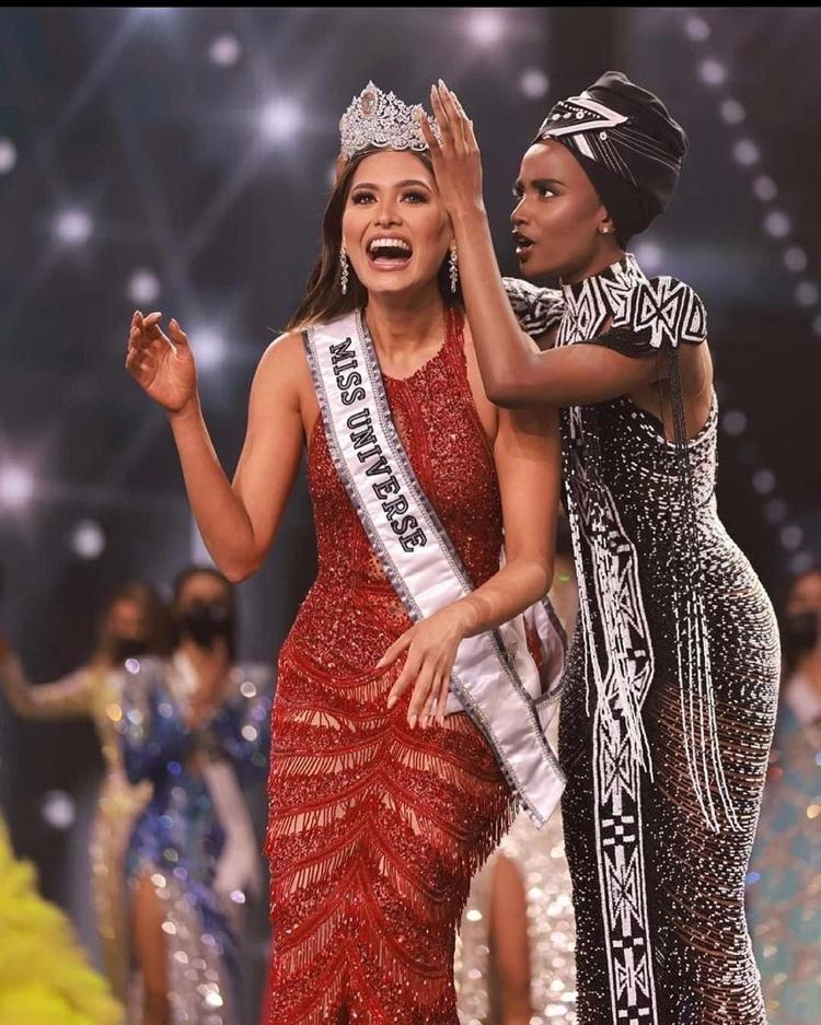 Miss México Andrea Meza é coroada Miss Universo.