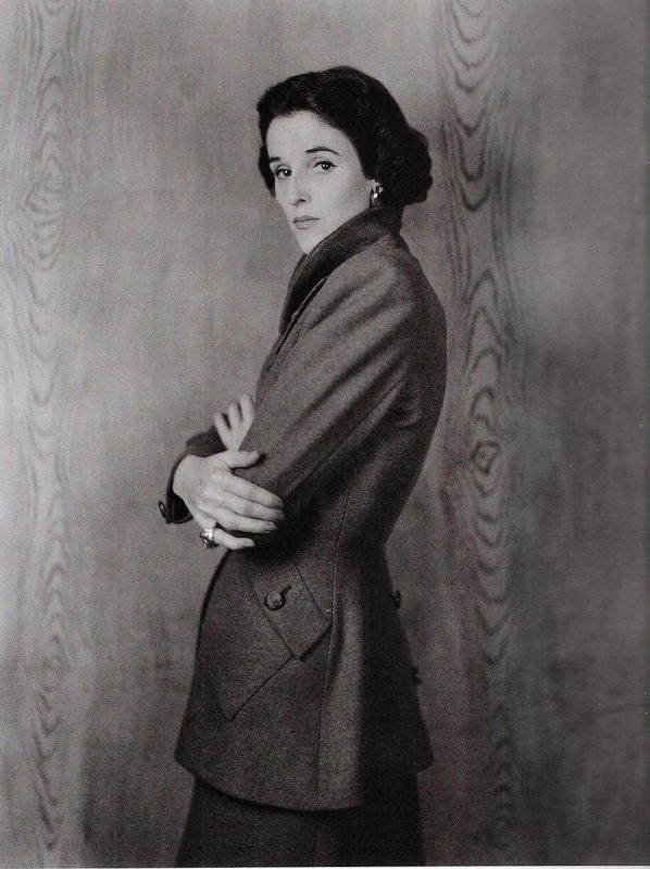 Babe Paley em 1946 para a Vogue britânica.