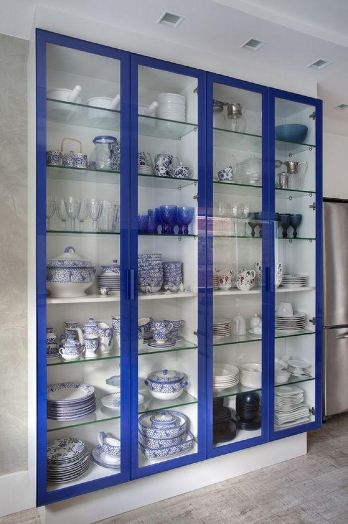 Cristaleira azul.